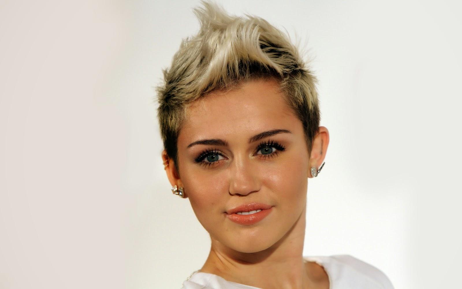 Miley Cyrus 2015 Wallpaper HiresMOVIEWALLcom 1600x1000