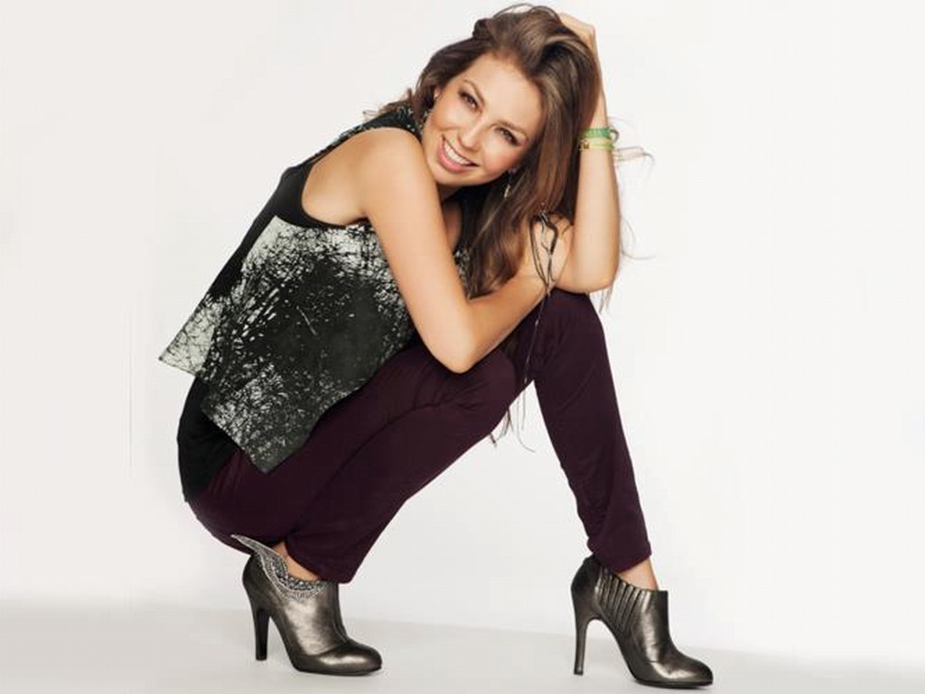 Thalia   Thalia Wallpaper 34666420 1024x768