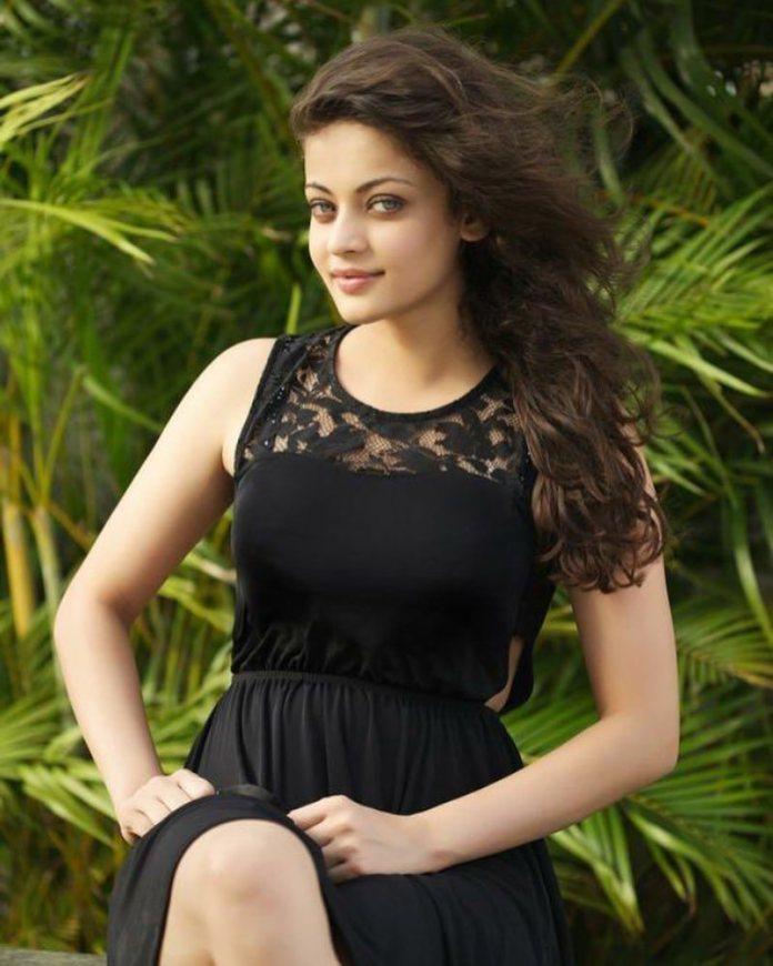 Beautiful Actress Sneha Ullal Bold and Hot 40 HD Photos 696x870