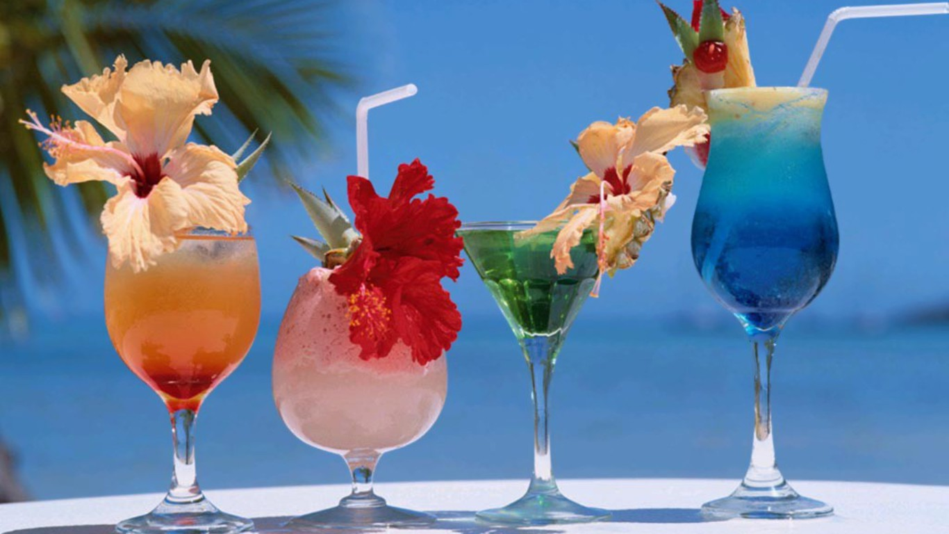Summer Cocktail Twitter Backgrounds Summer Cocktail Twitter Themes 1366x768