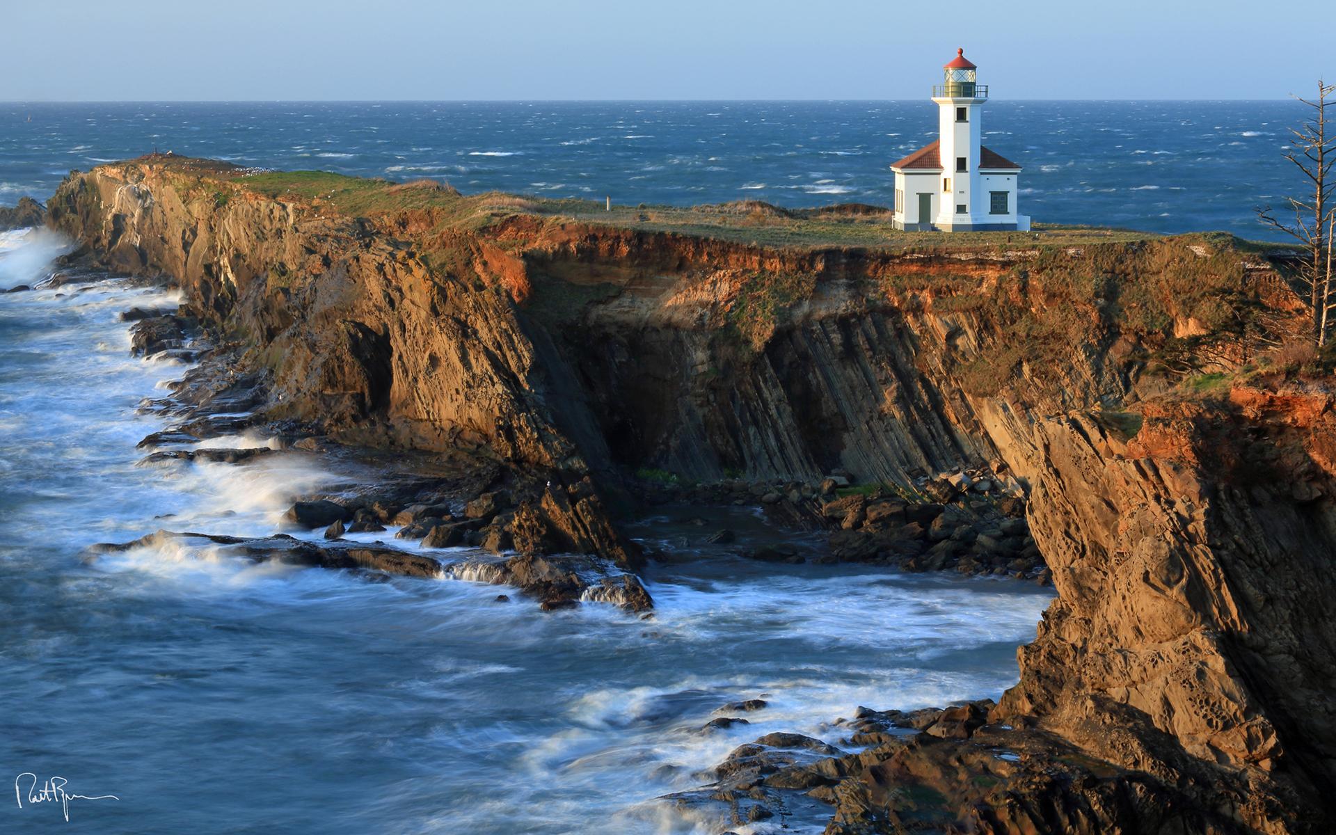 Lighthouse Coast Ocean Cliff sea shore coast buildings architecture 1920x1200