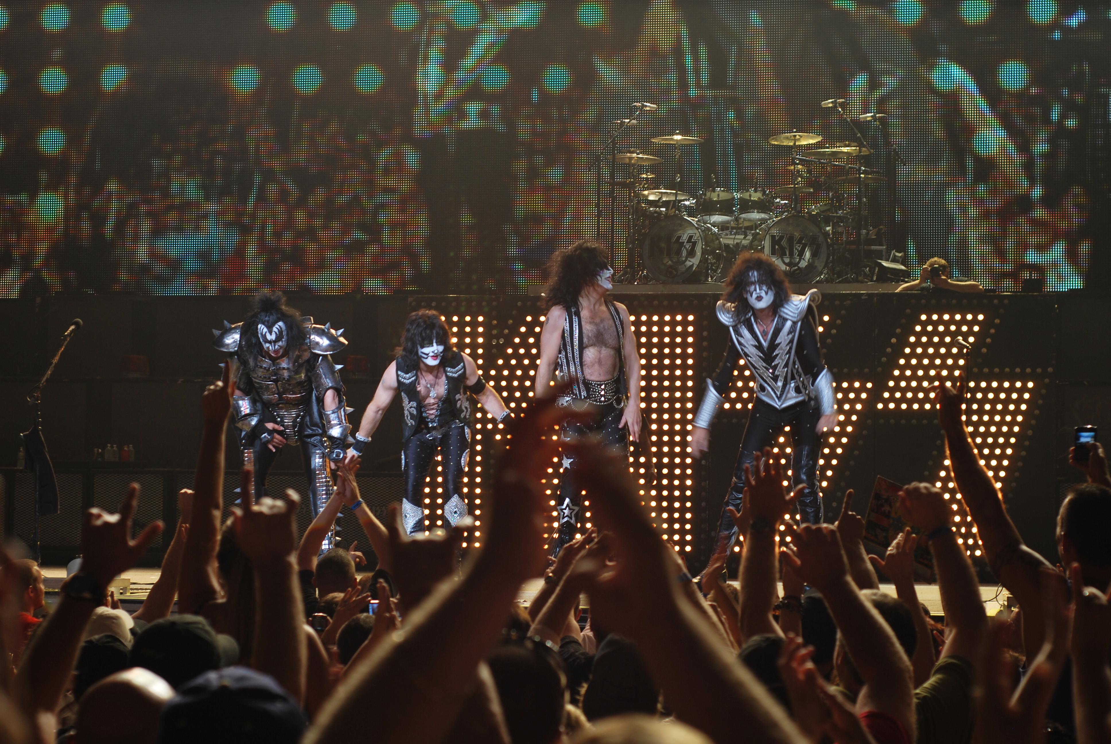 Kiss heavy metal rock bands concert Wallpaper Wallpapers 3872x2592