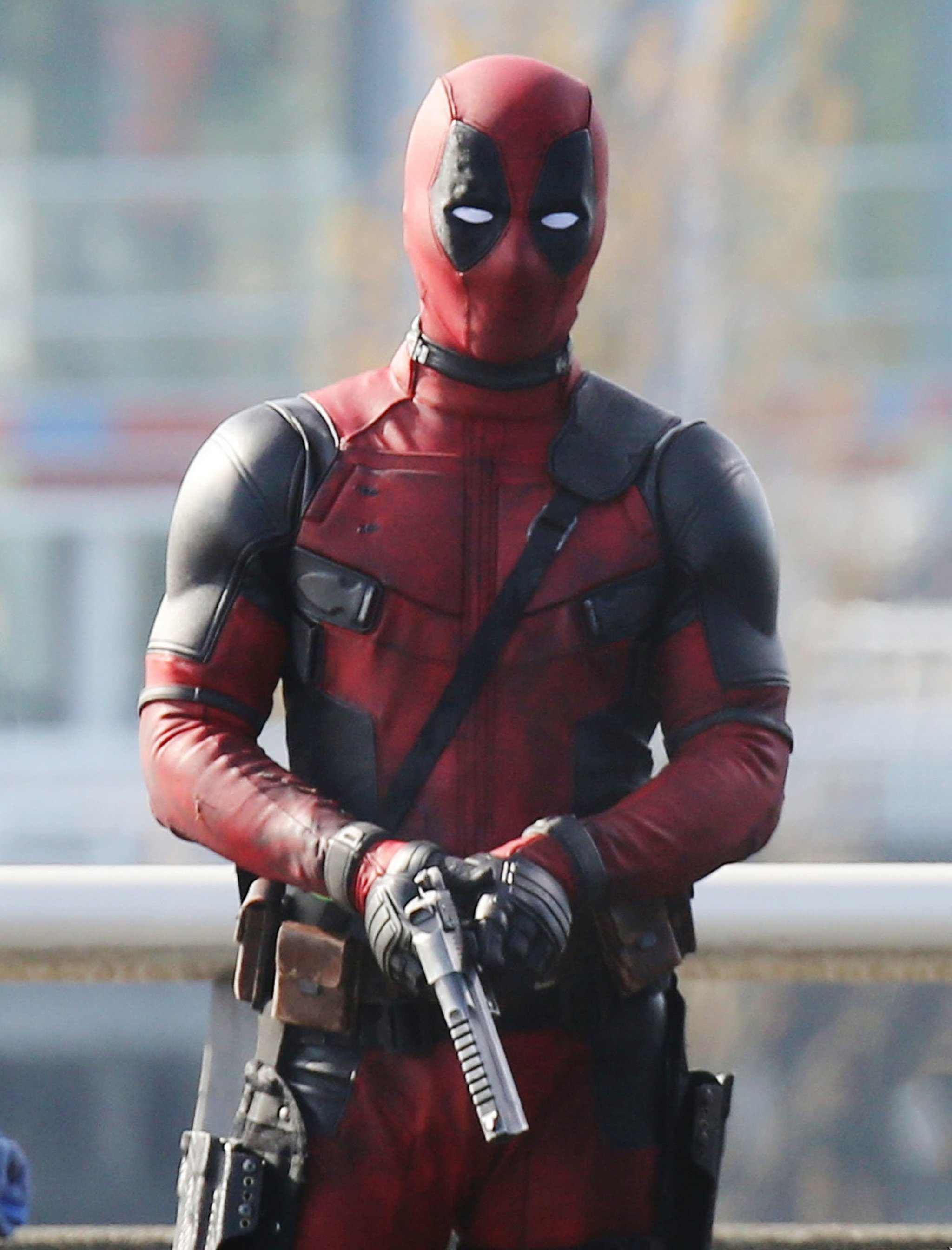 Deadpool movie wallpapers for iPhone Android 2048x2689