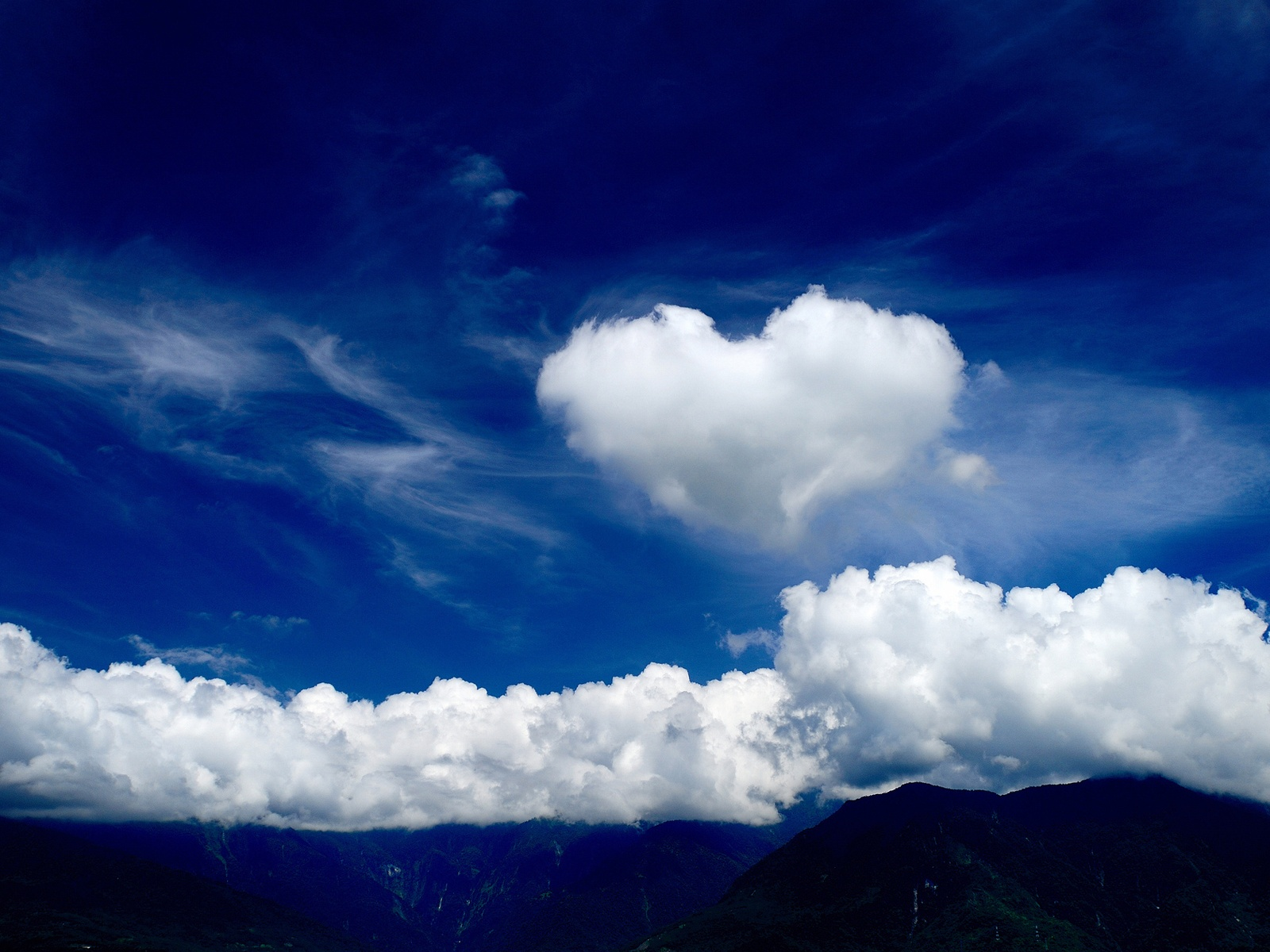 3d love with clouds wallpaper wallpaper for desktop wallpaper 1600x1200