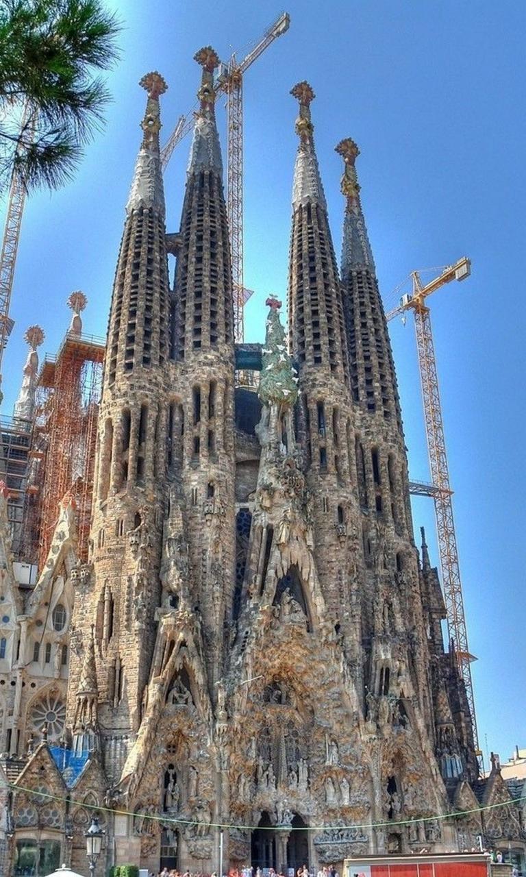 spain cathedral sagrada familia antonio gaudi wallpaper 27156 768x1280