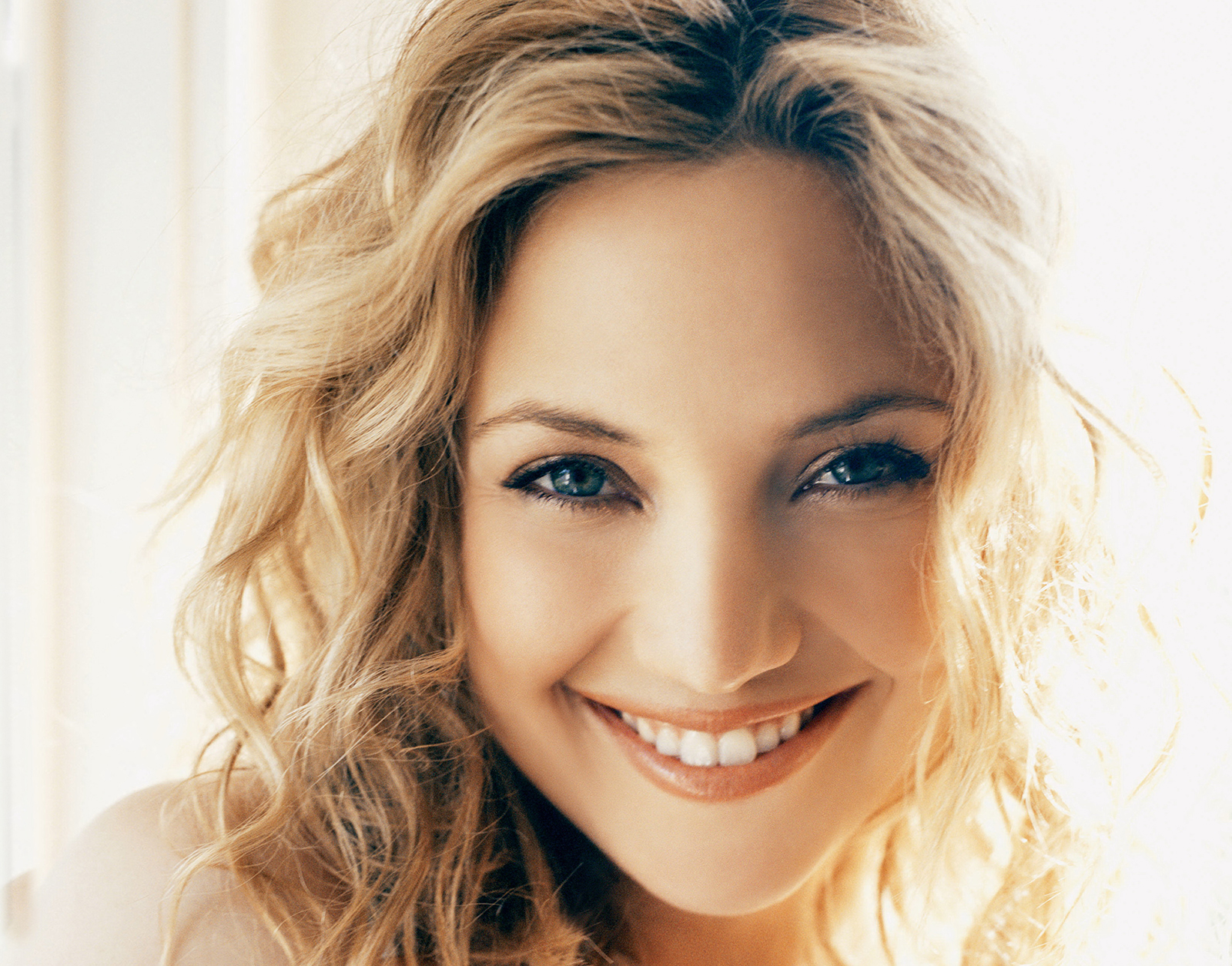 Kate Hudson HD Wallpaper   HD Wallpapers Backgrounds of Your Choice 1600x1255