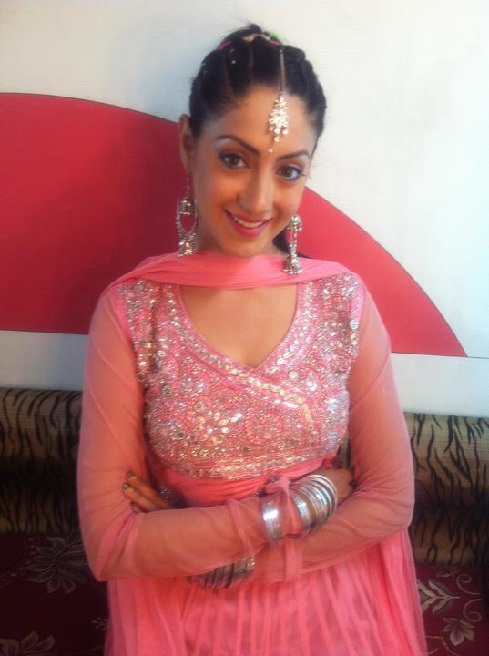 Online Tashan Gurleen Chopra punjabi girls wallpaper 537x720