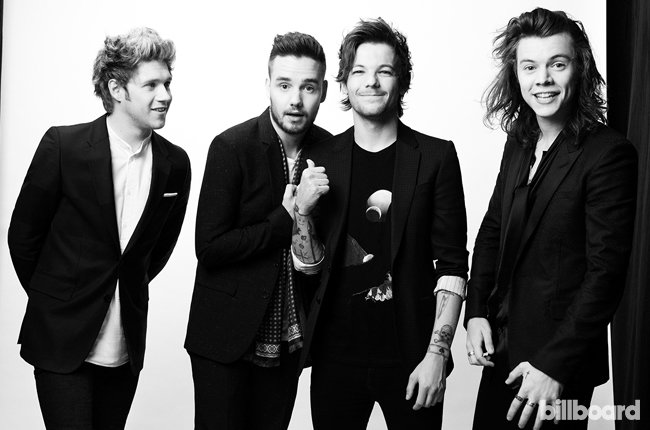 One Direction photographed backstage at the 2015 Billboard Music 650x430