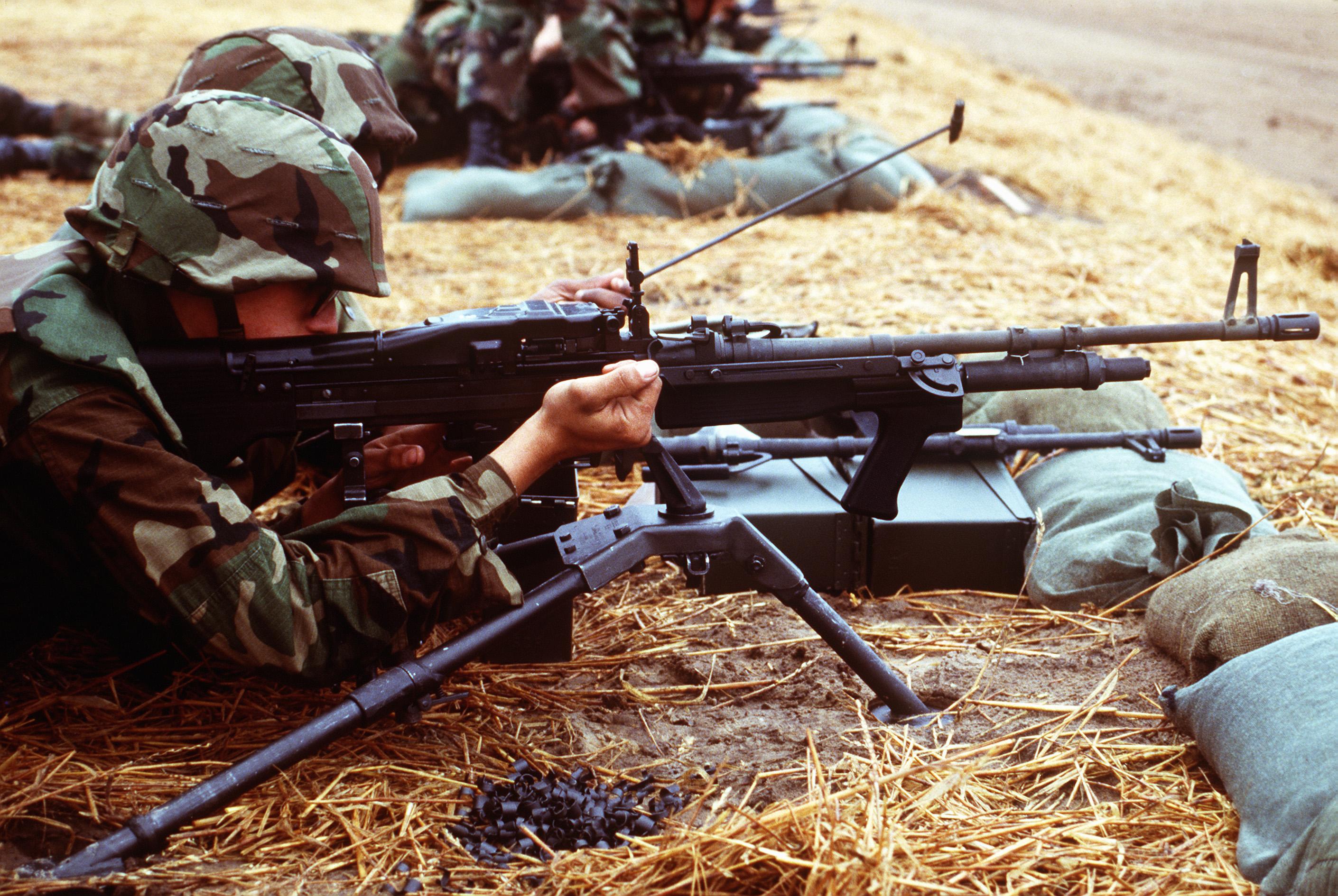 M60 MACHINE GUN military rifle weapon soldier g wallpaper background 2820x1890