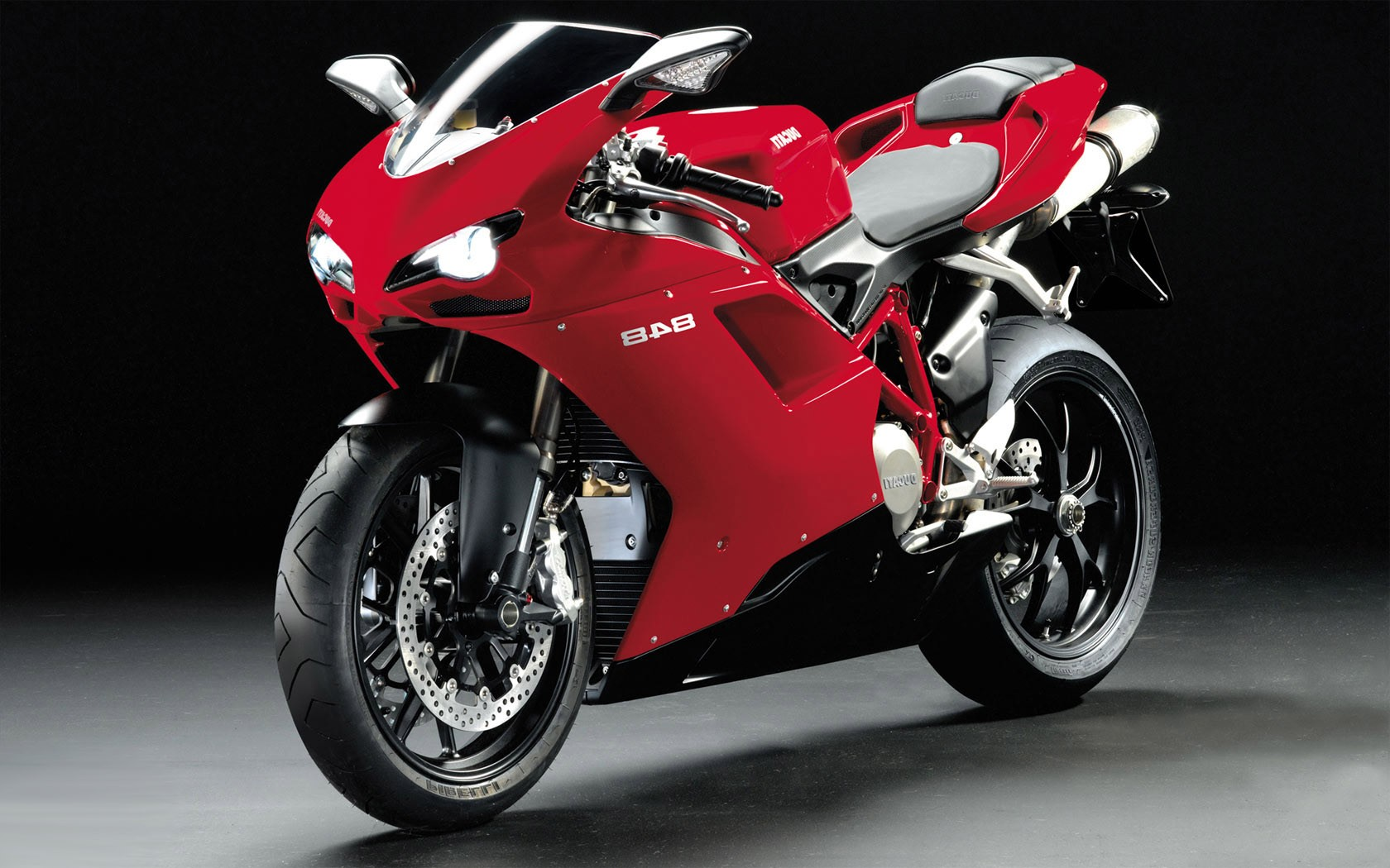 Sport Bike Wallpaper Desktop Backgrounds: [47+] Ducati Desktop Wallpaper On WallpaperSafari