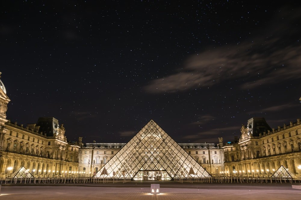 Louvre Pictures [HD] Download Images on Unsplash 1000x665