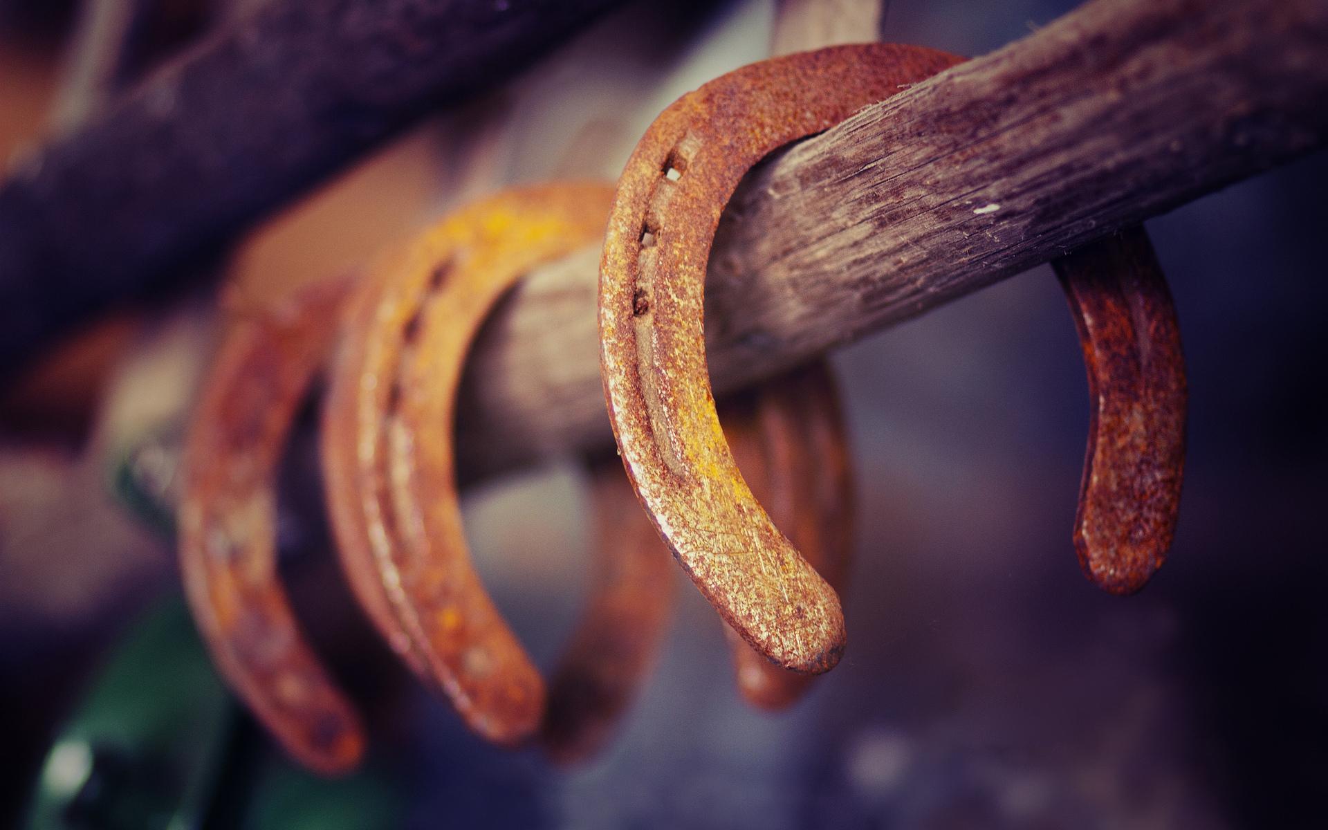 horseshoes stick western cowboy horses metal wallpaper background 1920x1200