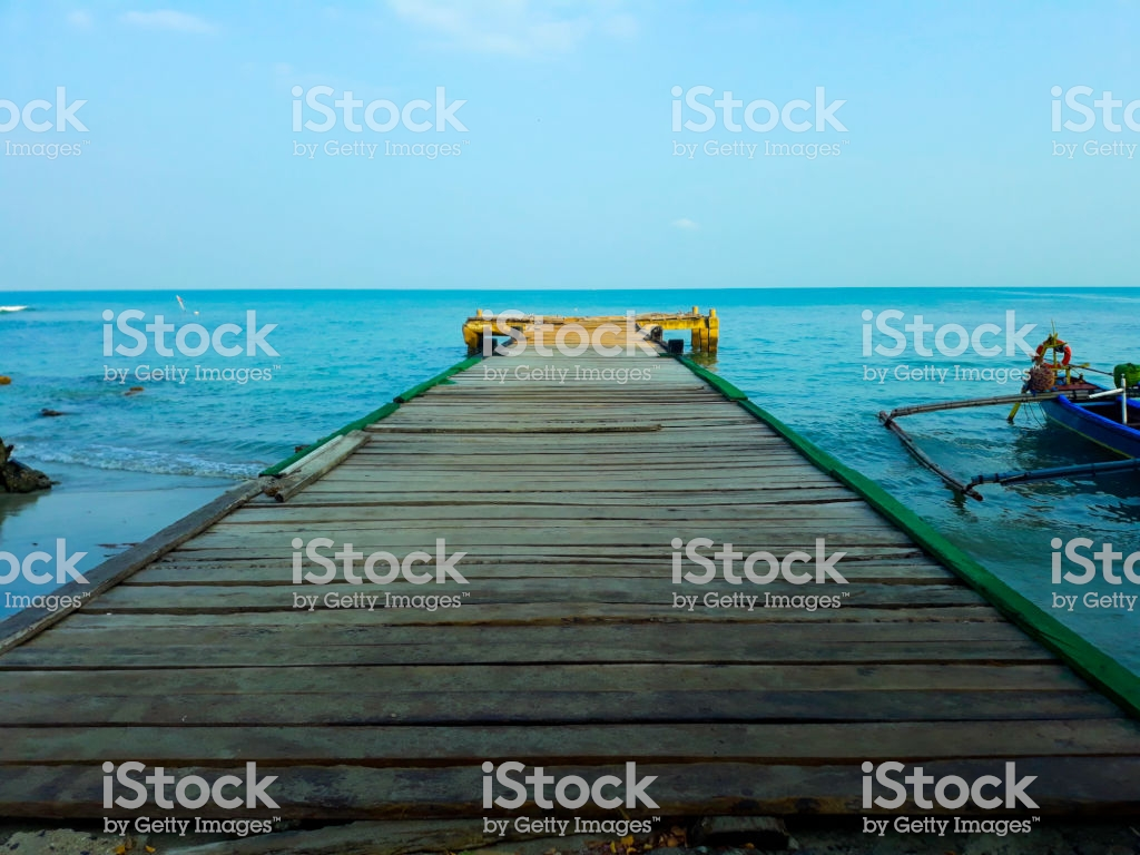 Simple Background Wallpaper Wooden Deck Waterfront Sea Shoreline 1024x768