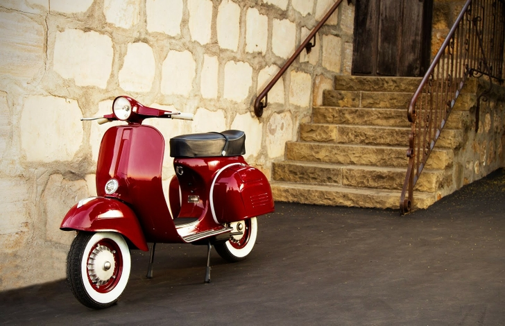free download vespa classic moped scooter hd wallpaper 728x470