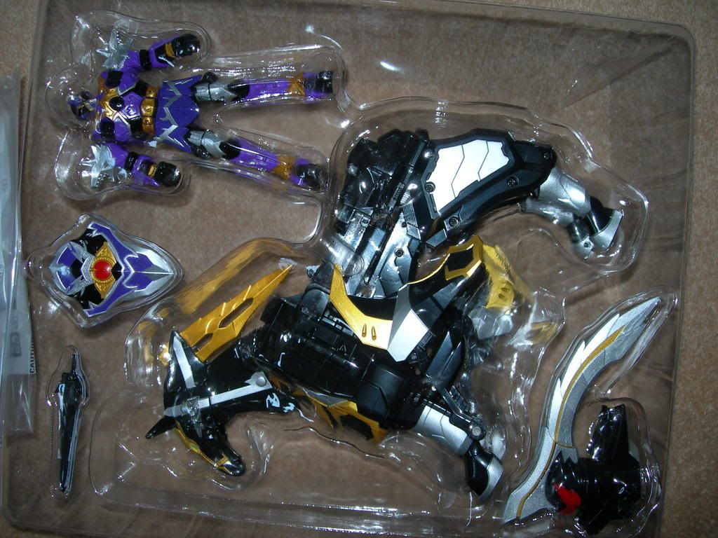 UK Centaurus Wolf Megazord CONFIRMED contains many pictures 1024x768