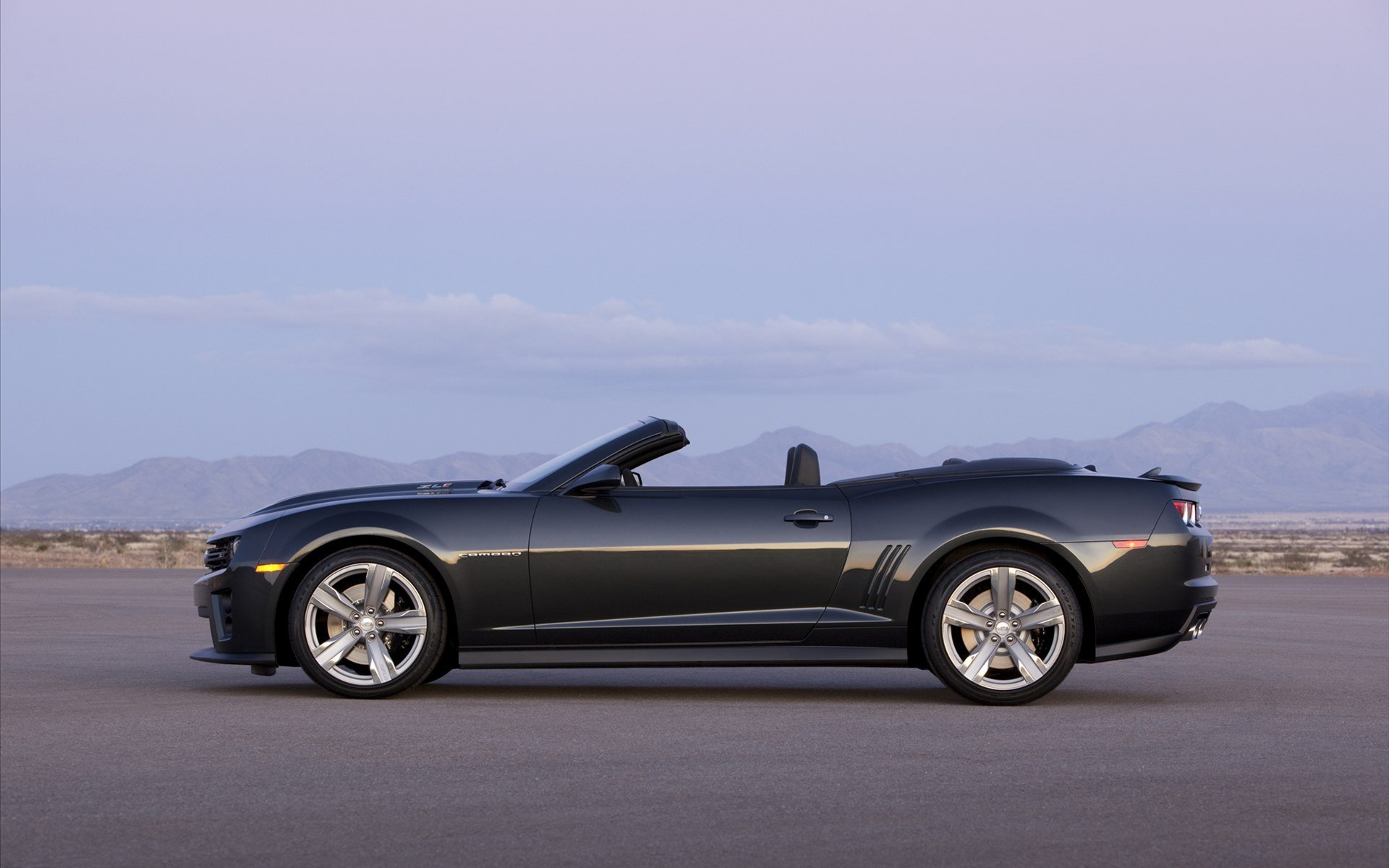 2013 Chevrolet Camaro ZL1 Convertible wallpaper 13087 1920x1200