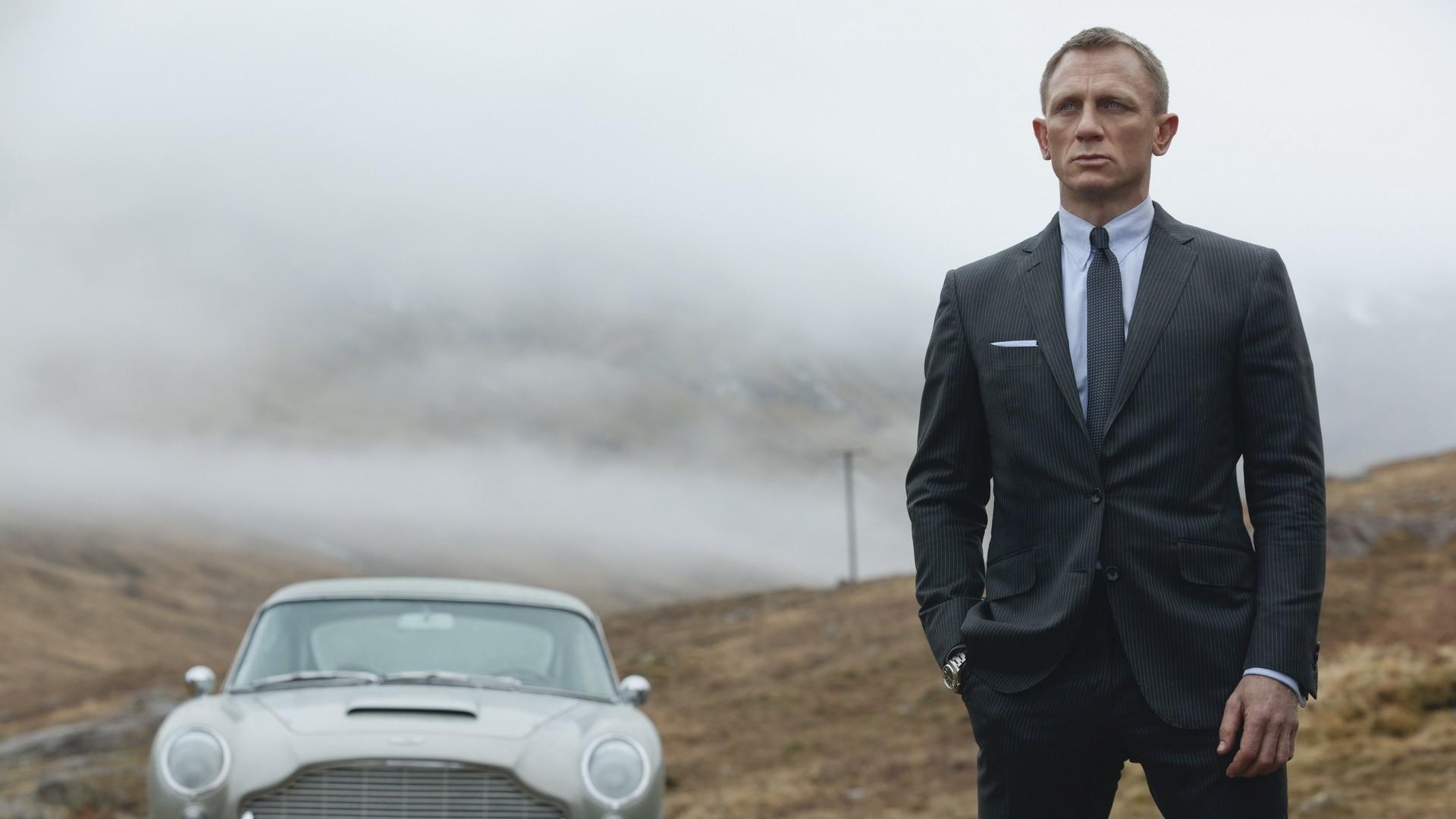 James Bond Wallpaper Daniel Craig - WallpaperSafari