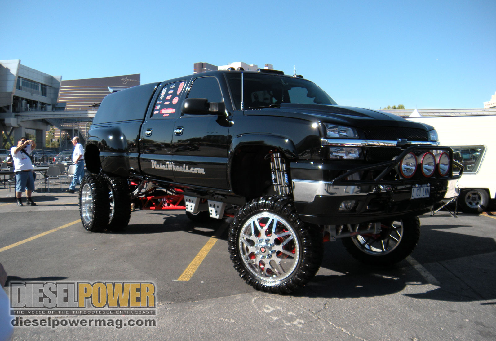 Lifted Chevy Trucks With Stacks 2009 sema show lifted chevy 1600x1100