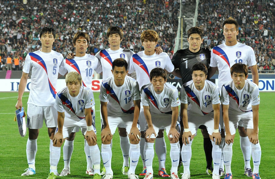 FileSouth Korea national football team   October 2012jpg 900x585