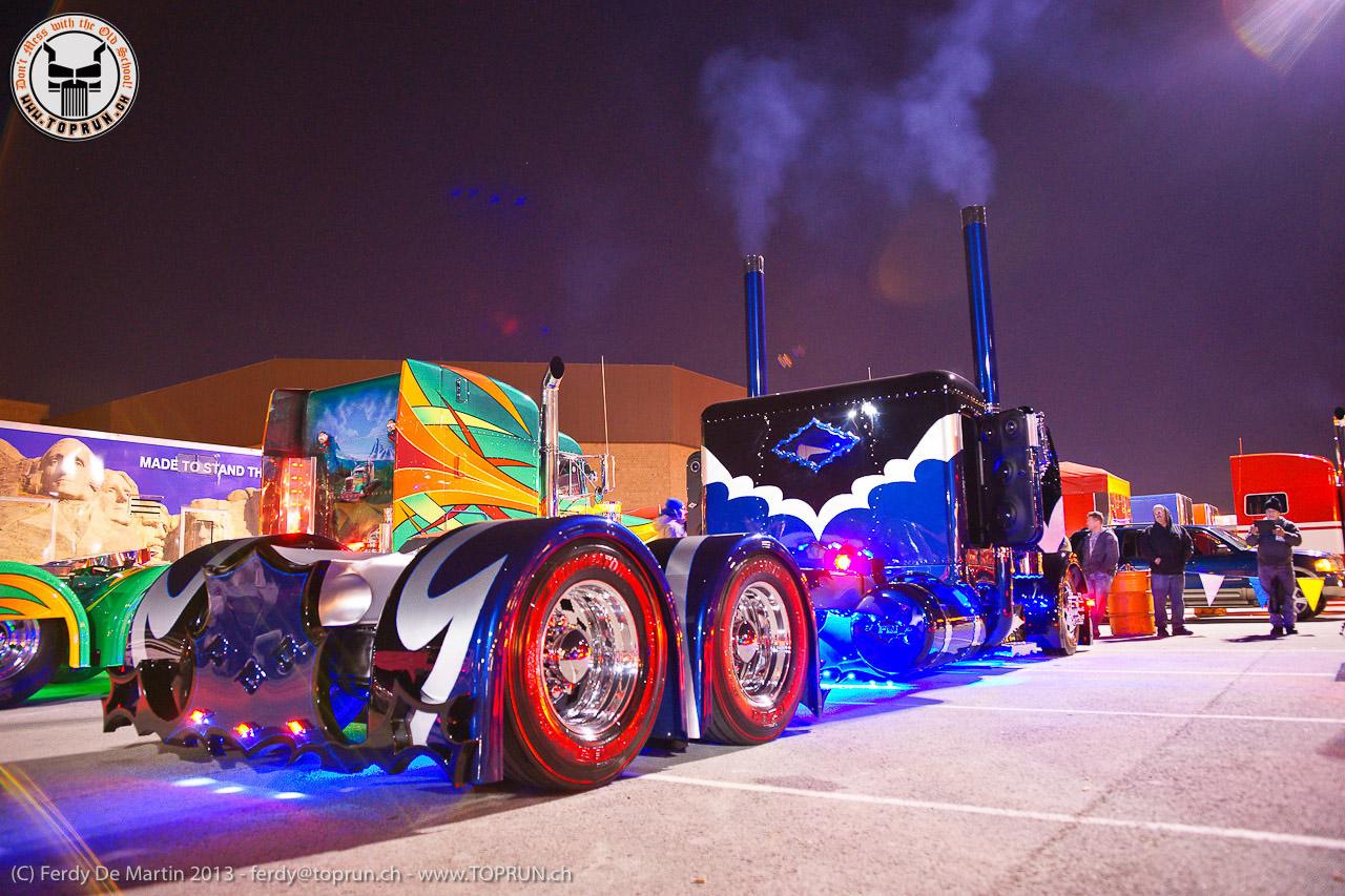 Related Wallpapers Peterbilt Trucks Night Show Trucks In Usa Youtube 1280x853