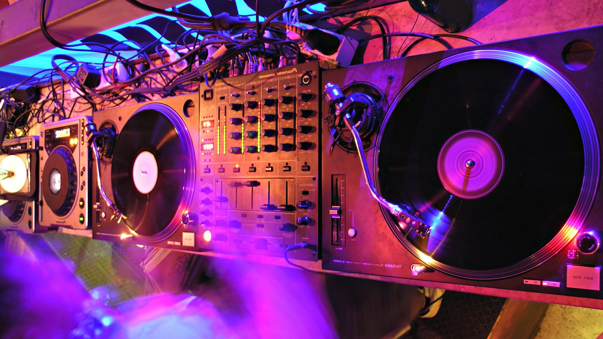 HD Disco Computer Wallpaper Download   138790 1920x1080