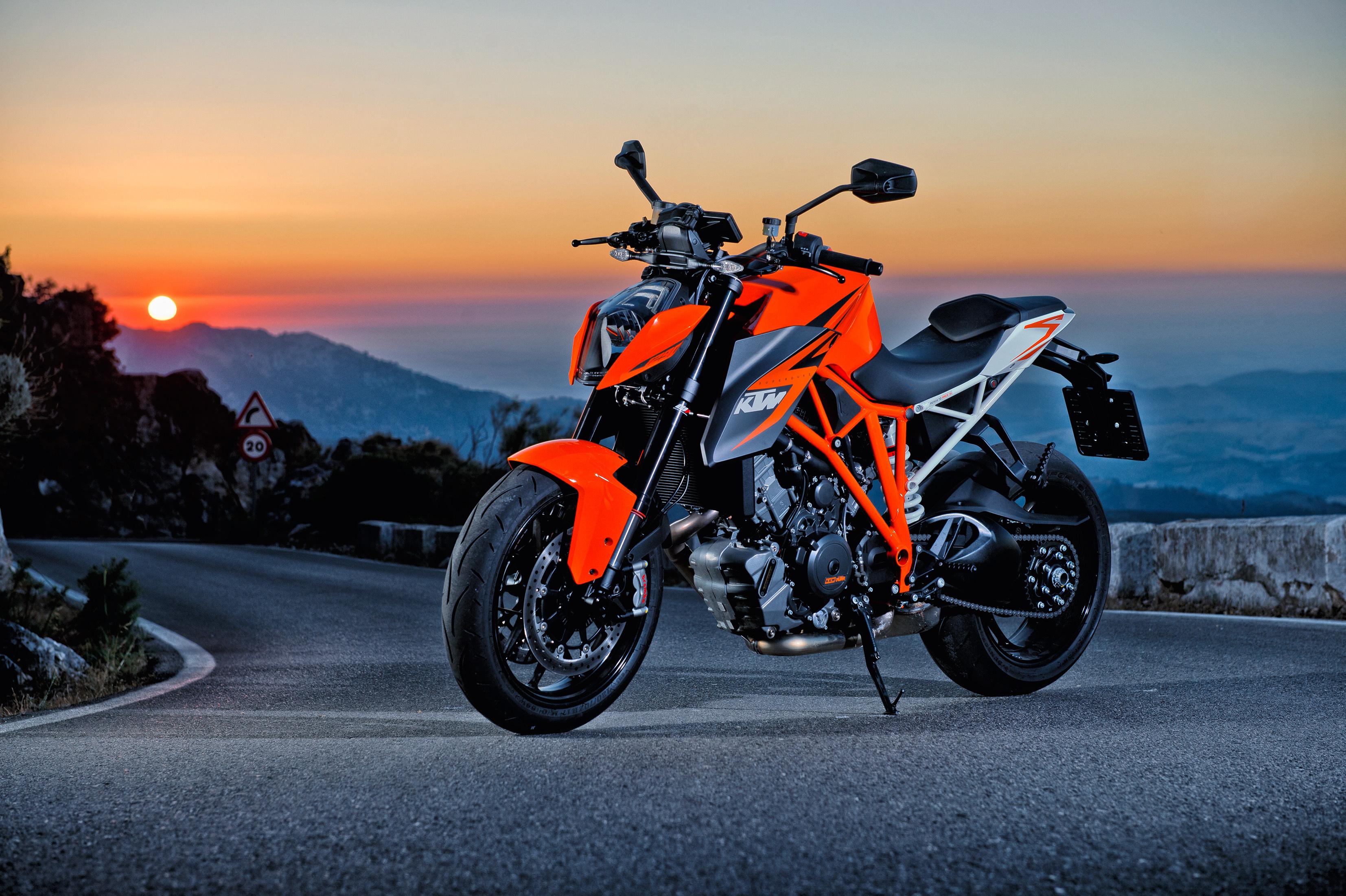 Download Wallpaper sunset bike motorcycle ktm 1290 super duke r 3307x2201