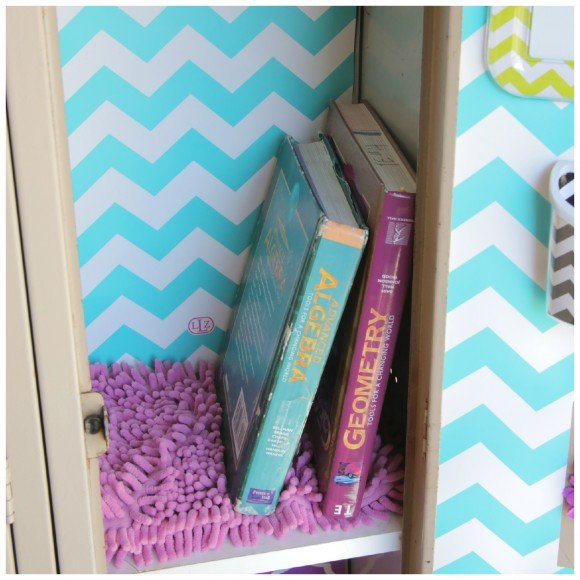 Locker carpets So cute Coordinating locker decorations from 580x580