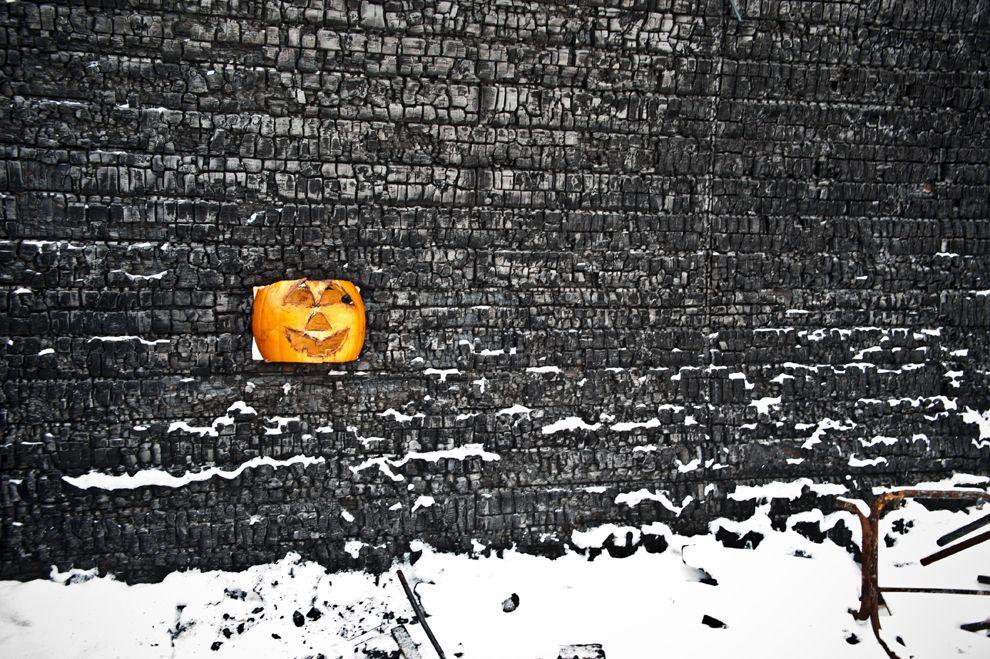 photo carved pumpkin calgary canada burned gas station 990x659