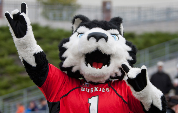 NIUHUSKIESCOM   The Northern Illinois Official Athletic Site 615x390