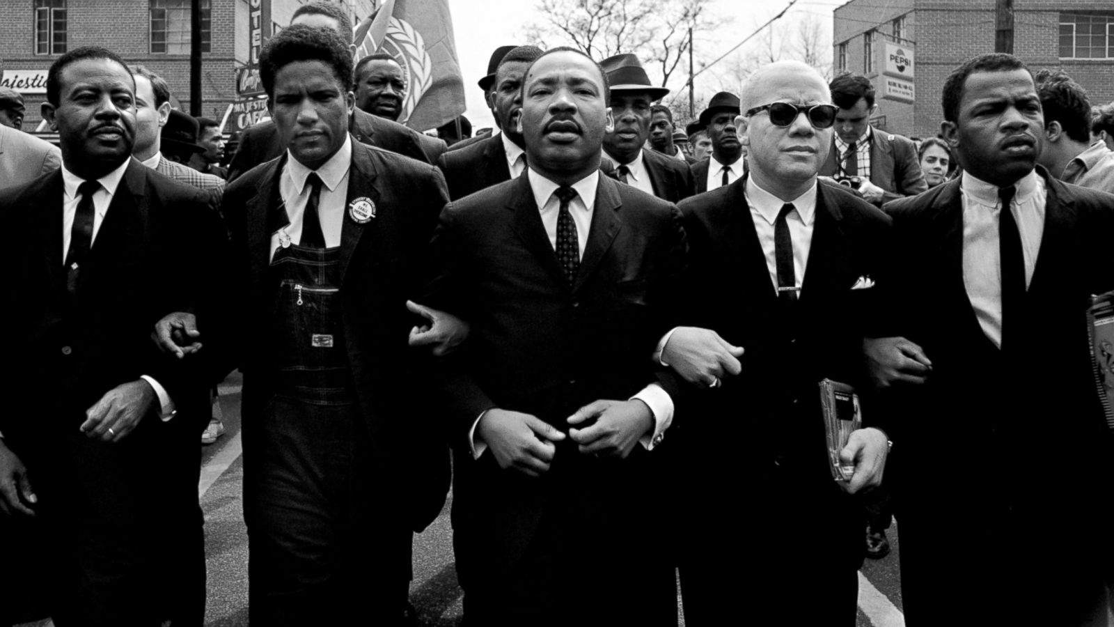 Through a Photographers Lens Martin Luther King and the Civil 1600x900