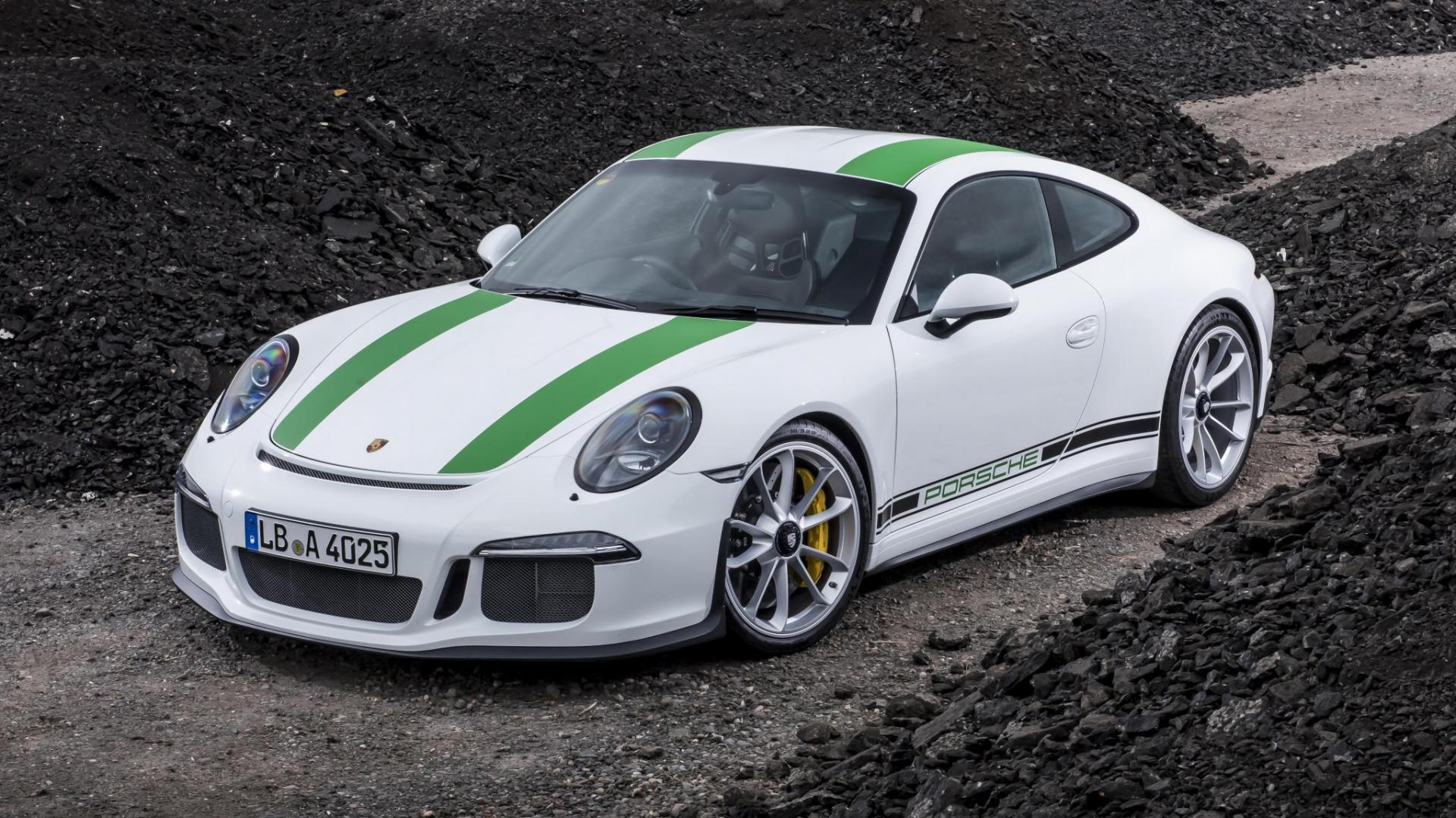 Porsche 911 R of Singer 911 Welke pure rijmachine kies jij 1920x1080