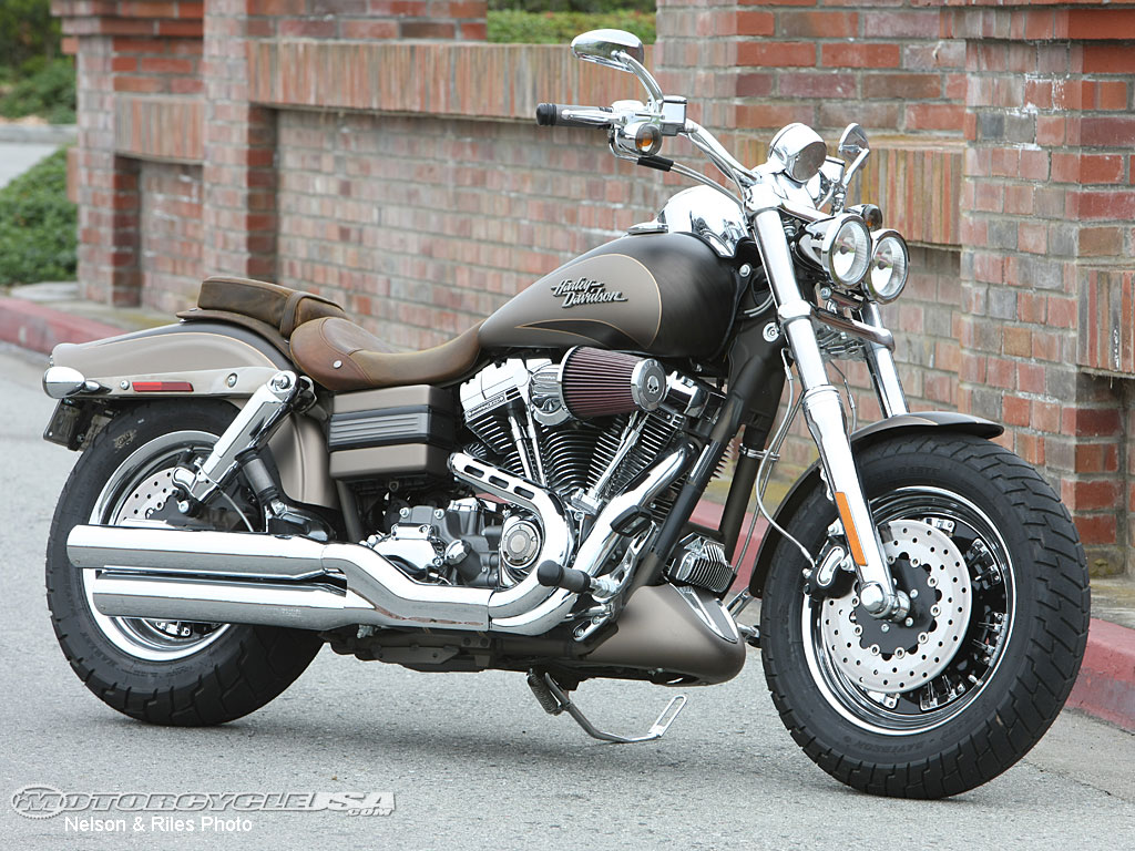 2010 Harley Davidson CVO Motorcycles Photos   Motorcycle USA 1024x768