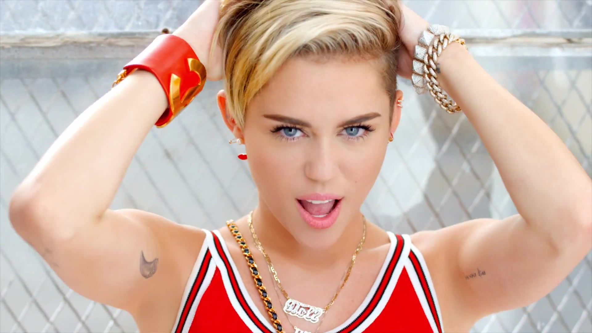 Miley Cyrus Net Worth   Full Net Worth 1920x1080