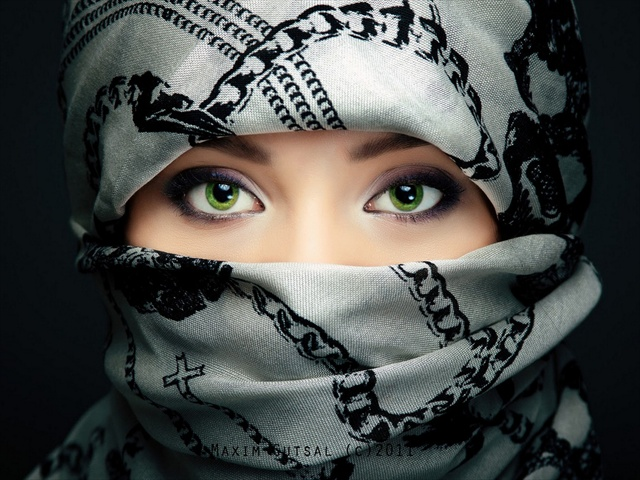 Arab Girls 640x480