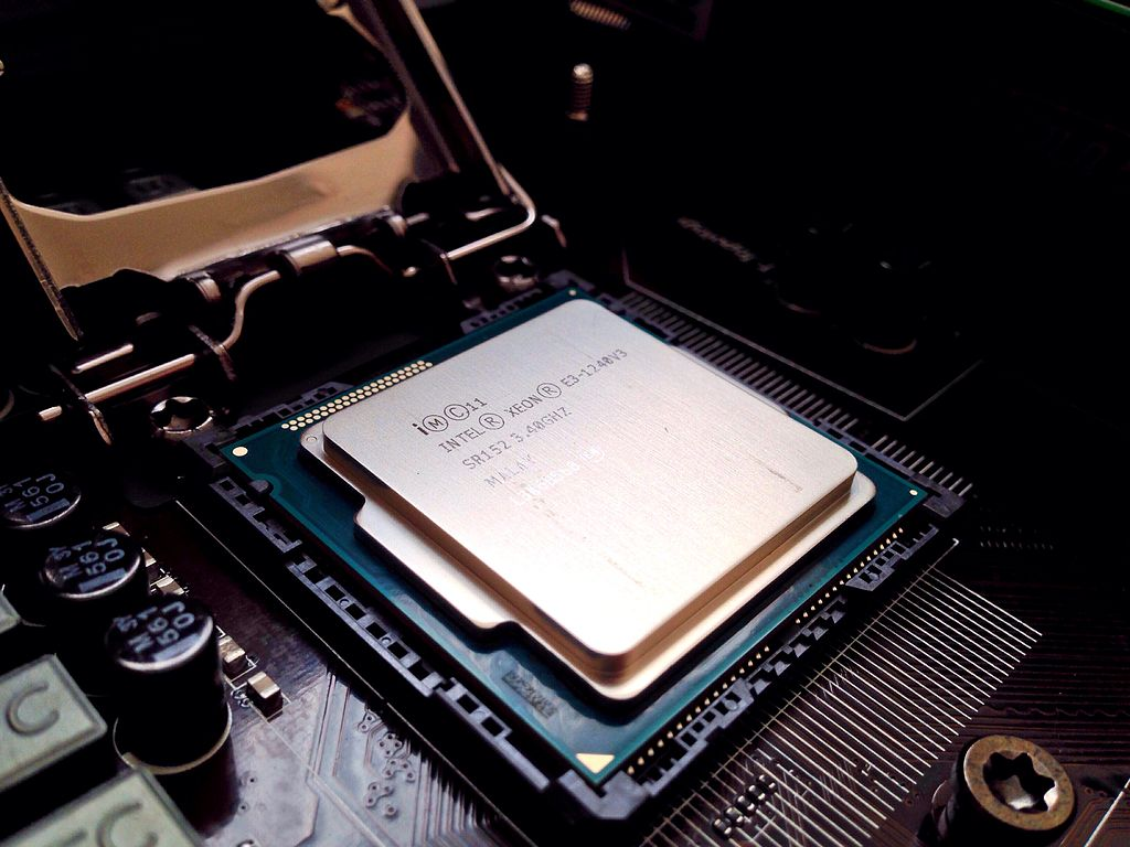 FileIntel Xeon E3 1240V3 Haswell 340GHzjpg   Wikimedia Commons 1024x768