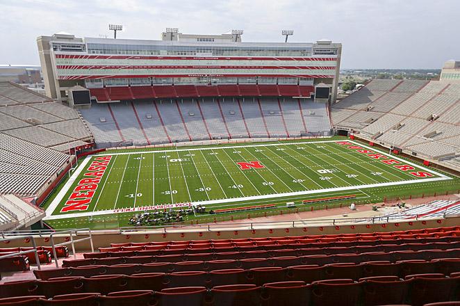 Nebraska stadium addition pushes capacity past 90000 662x440