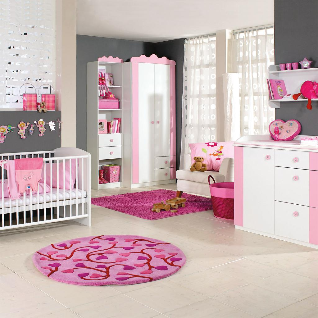 Cute Baby Girl Nursery Ideas: [41+] Rug Girl Wallpaper On WallpaperSafari