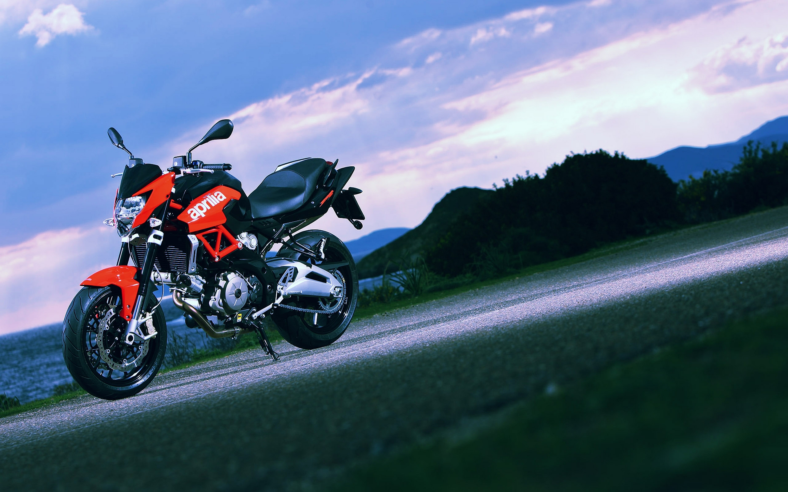 Aprilia Wallpapers 7N62VY7   4USkY 2560x1600