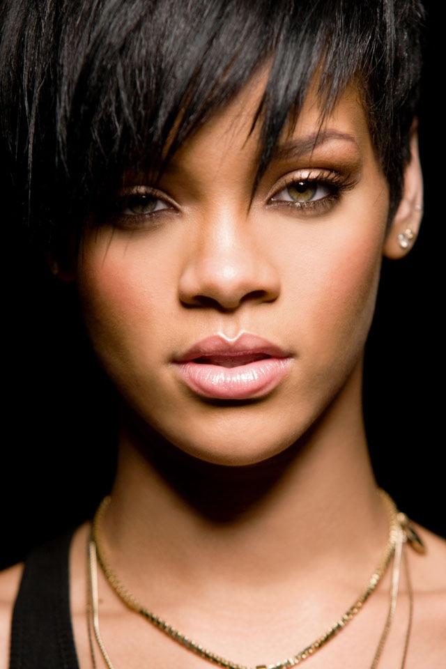 Rihanna 03 HD iPhone Wallpaper 640x960