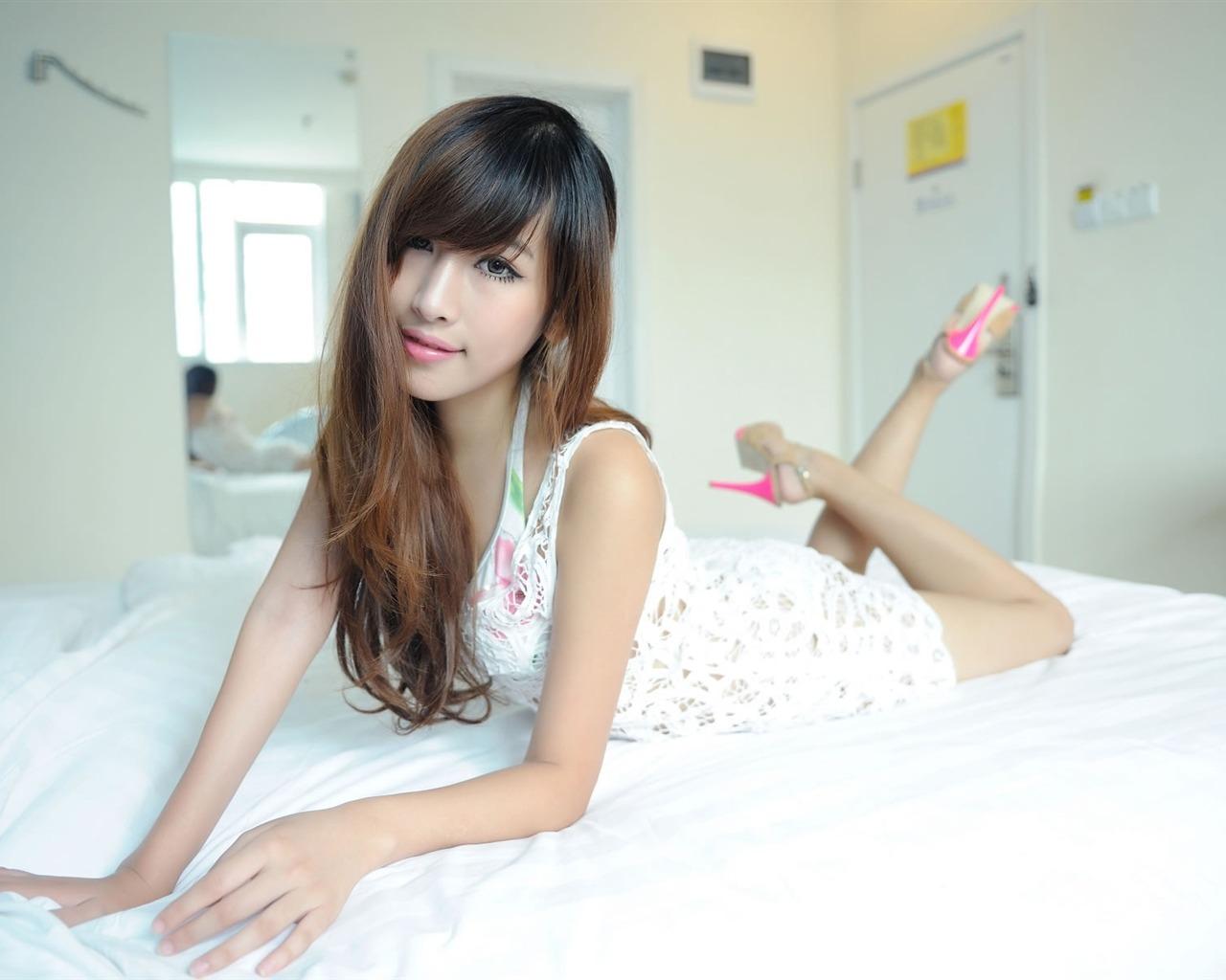 White long legged beauty pure photo HD wallpaper 04 1280x1024