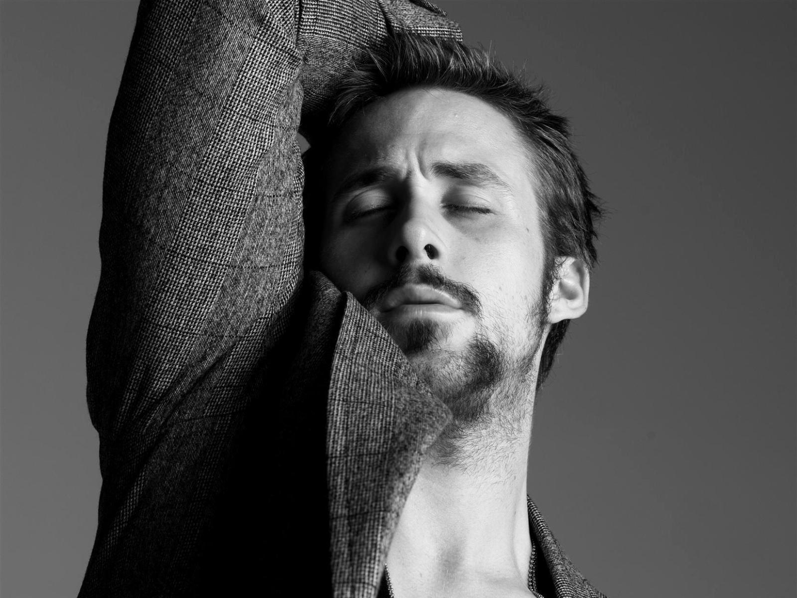 Ryan Gosling Wallpapers August 2012 1600x1200