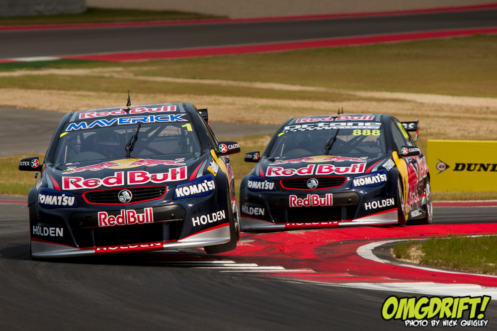V8 Supercars Drivers Go Drifting In The Rain Video Car Wallpapers 1000x667
