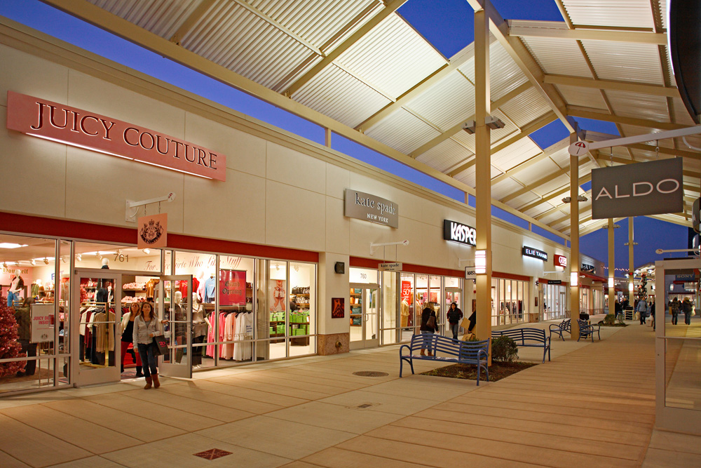 Jersey Gardens Outlet Mall The Outlet Collection Tattoo Design Bild 1000x667