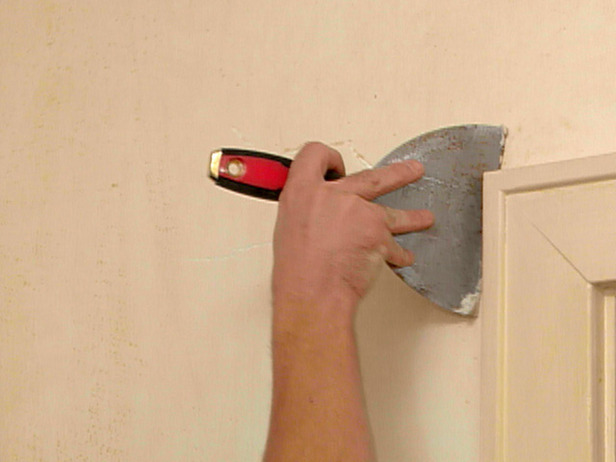How to Remove a Linen Cloth Wall Covering from Plaster Walls 616x462