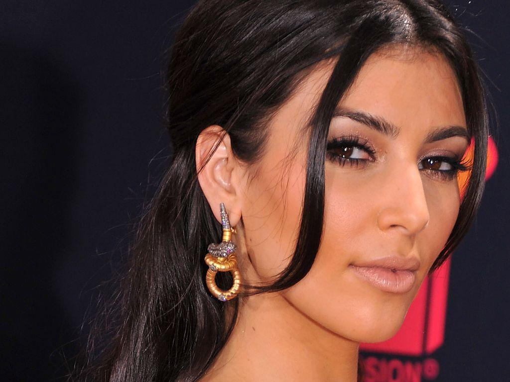 Kim Kardashian Wallpapers   Page 2 1024x768