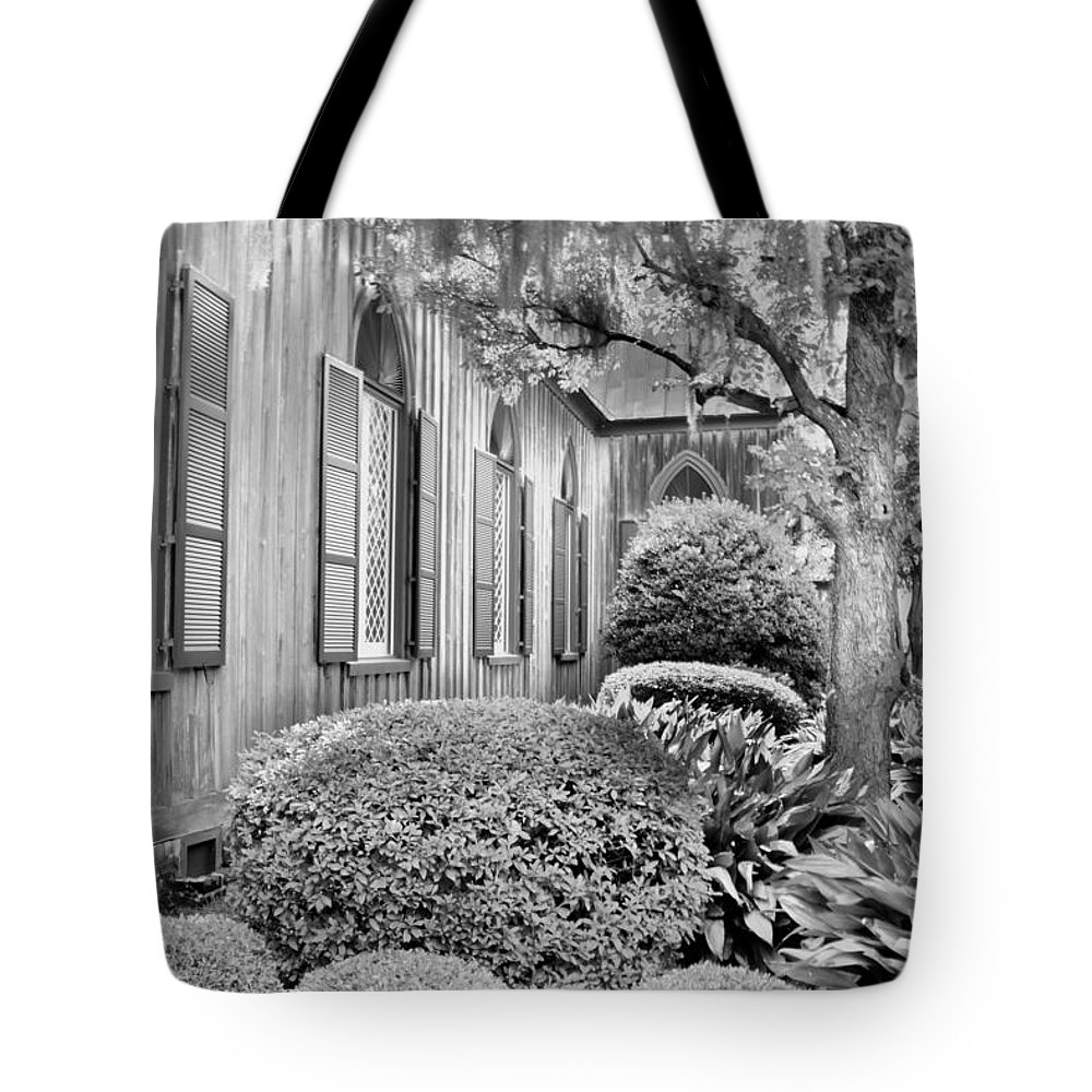 Church Of The Cross Bluffton Sc Black And White Tote Bag for Sale by 1000x1000