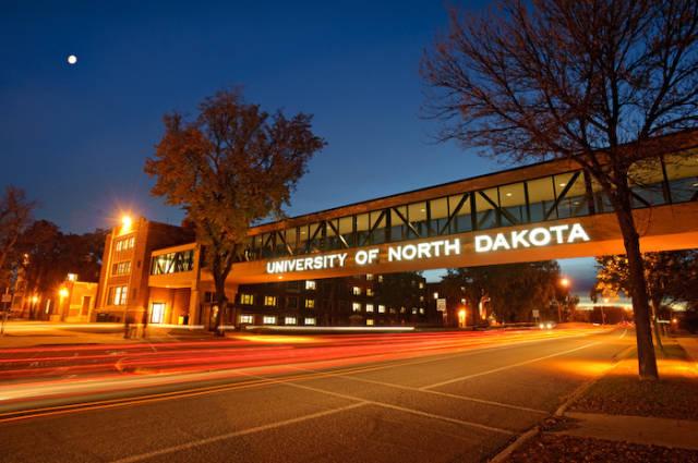 UNIVERSITY OF NORTH DAKOTA WALLPAPER 640x425