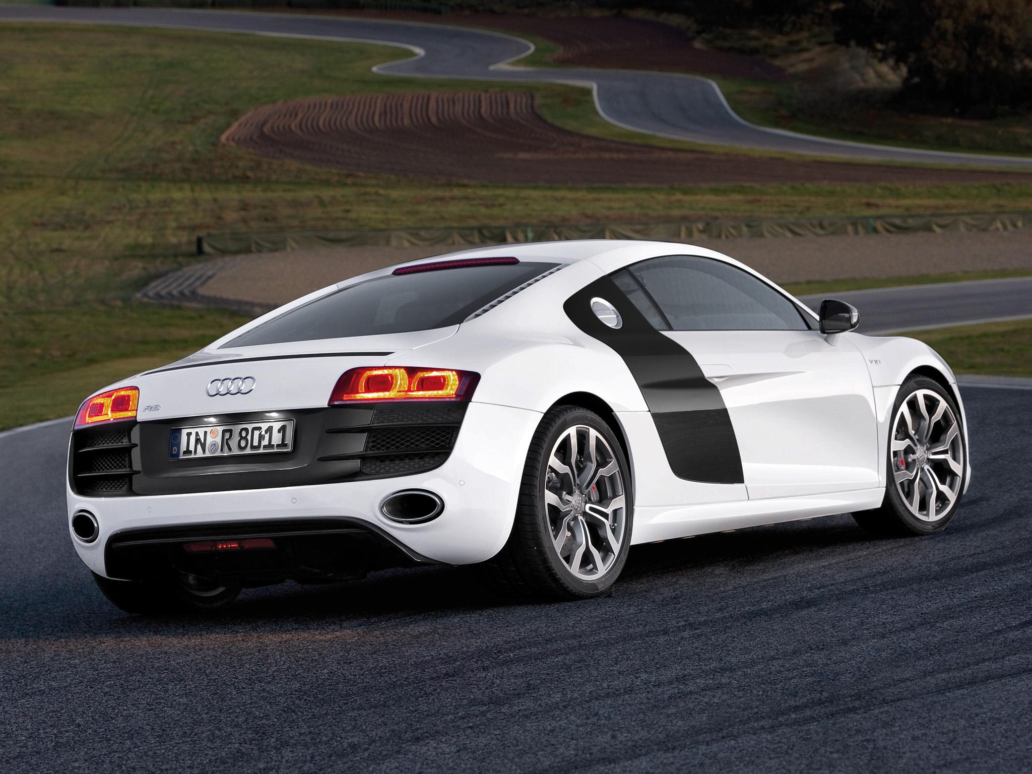Audi R8 V10 wallpaper 1 2048x1536