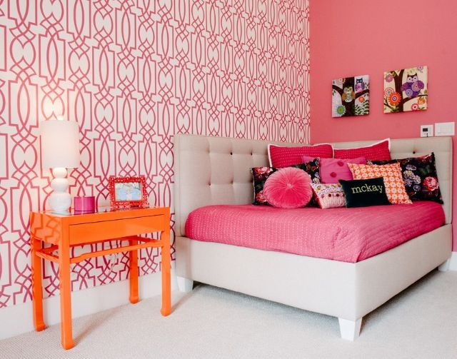 Girls room pink wallpaper For the Home Pinterest 640x503