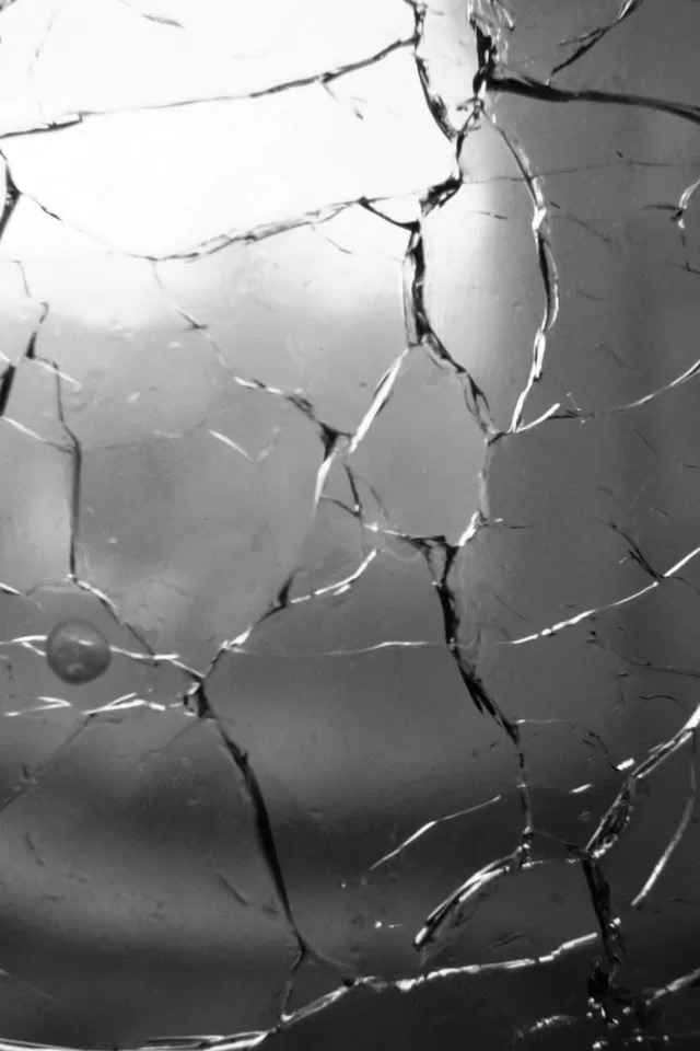 Cracked Iphone Lock Screen Wallpaper Glass cracks iphone wallpaper 640x960